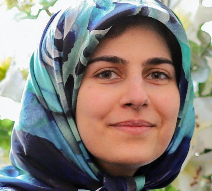 Dr. Zahra Esfahani ?>