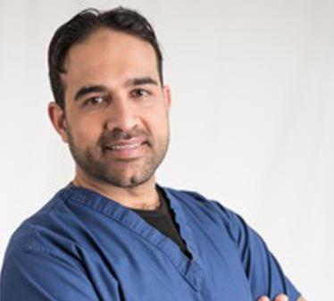 Dr. Munir Ravalia
